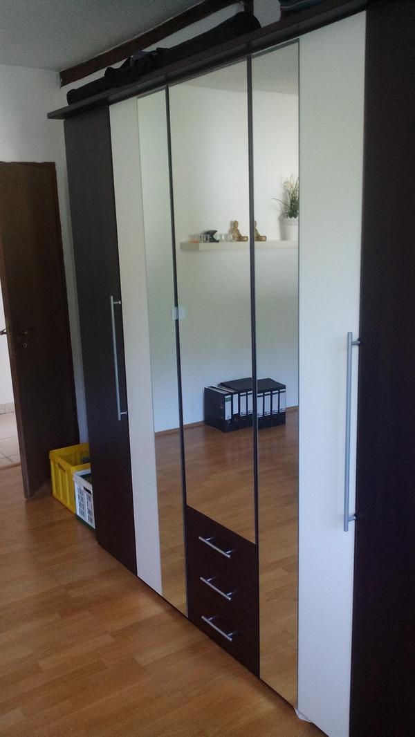 moderner kleiderschrank. Black Bedroom Furniture Sets. Home Design Ideas