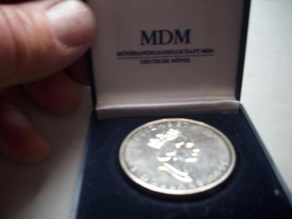 Münze Silber 5 Dollar - Höchst - Canada 5 Dollar 9999. Fine Silver 1 OZ ARGENT PUR. ELIZABETH II Jahr 1991 VHB 35.--Euro !!! - Höchst