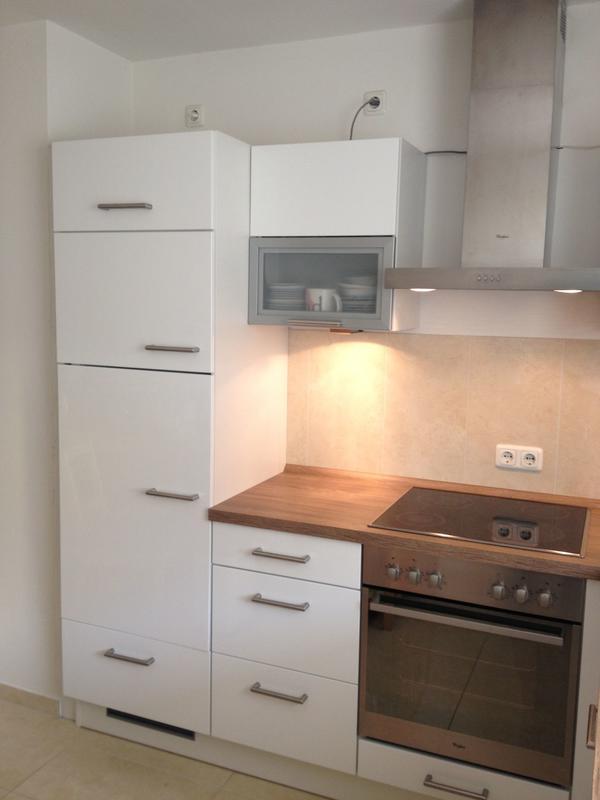 Neuwertige Impuls-Einbauküche in Weiß-Hochglanz in Augsburg ...   {Einbauküche weiß 28}
