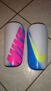 Nike Schienbeinschoner mercurial