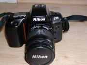 Nikon F / 70
