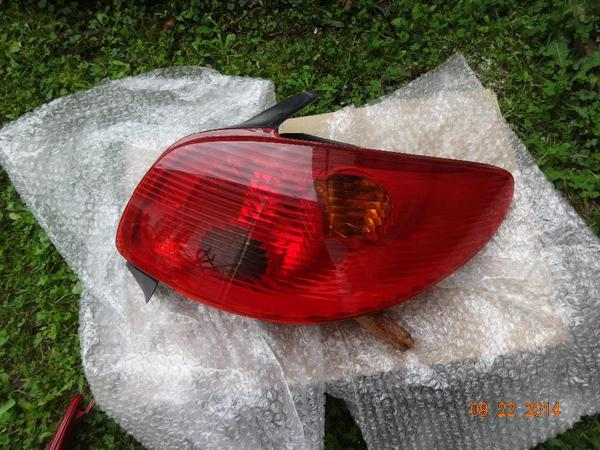 Peugeot Rücklicht rot » Peugeot-Teile