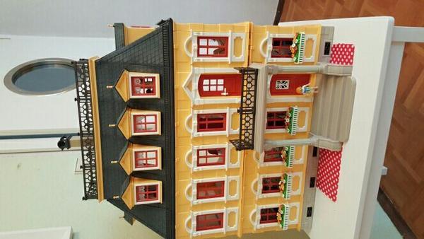 playmobil haus villa inkl einrichtung und figuren in kappelrodeck spielzeug lego playmobil. Black Bedroom Furniture Sets. Home Design Ideas