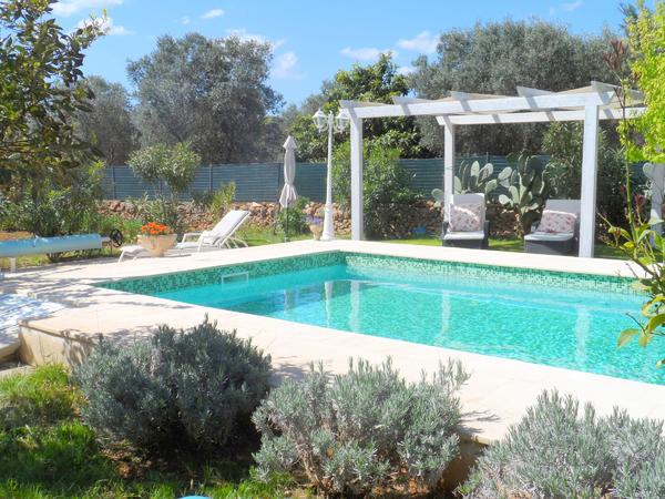 priv ferienhaus in apulien italien eigener pool u garten gerne m hund in k ln. Black Bedroom Furniture Sets. Home Design Ideas