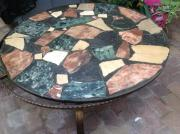 Runder Tisch mit
