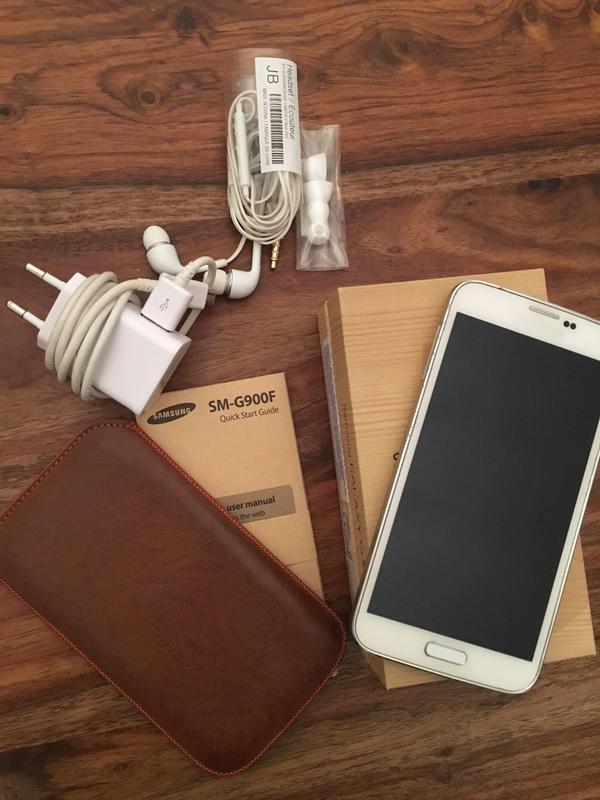 Samsung Galaxy S5 in weiß
