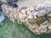 Sandsteine aus Scheunenabriss