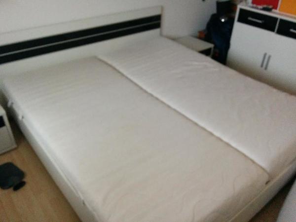 schlafzimmer: doppelbett, 2 lattenroste, 2 matratzen, 2, Hause deko
