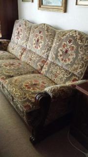 schönes altes Sofa