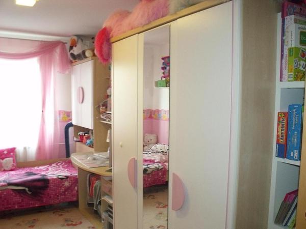 sch nes gebrauchtes m dchen jugend zimmer wei rosa 5. Black Bedroom Furniture Sets. Home Design Ideas