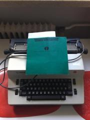 Schreibmaschine Olympia Electric 45 mit