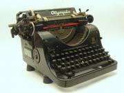 Schreibmaschine Olympia Modell
