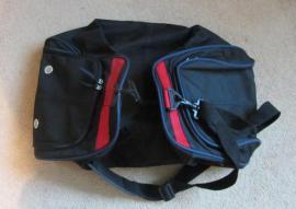 Schulranzen Reisetasche Sporttasche Handtasche: Kleinanzeigen aus München Schwabing-West - Rubrik Taschen, Koffer, Accessoires