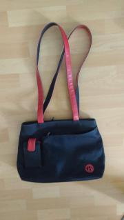 Schwarz/rote Handtasche,