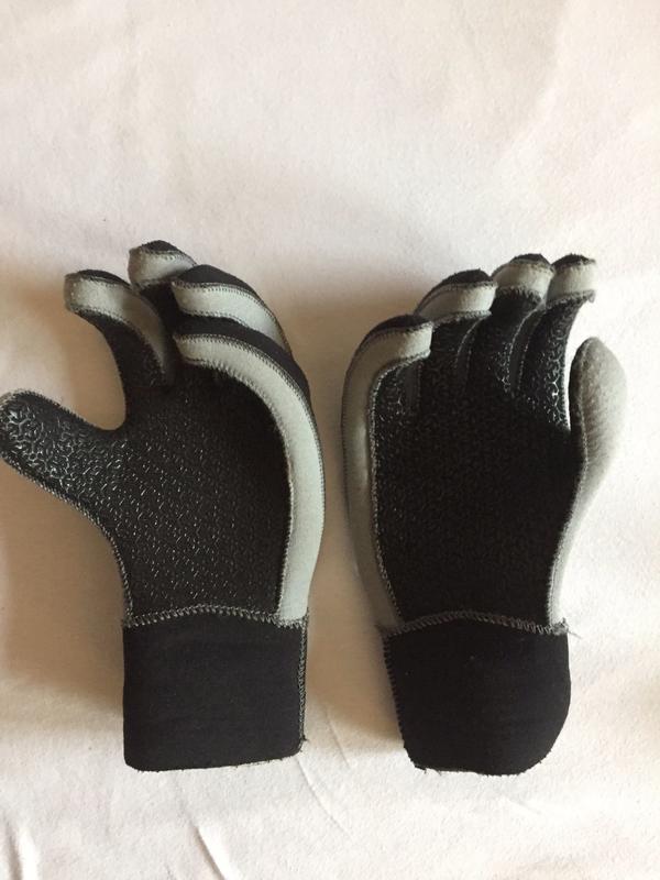 schwarze Frauen Taucher Handschuhe Taucher