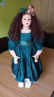 Selbstgemachte Puppe aus Porzellan