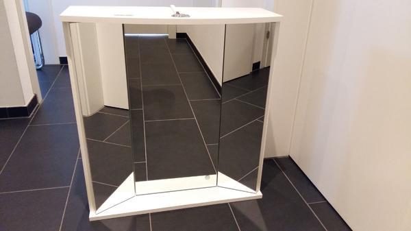 spiegelschrank mit beleuchtung in altach bad einrichtung und ger te kaufen und verkaufen. Black Bedroom Furniture Sets. Home Design Ideas