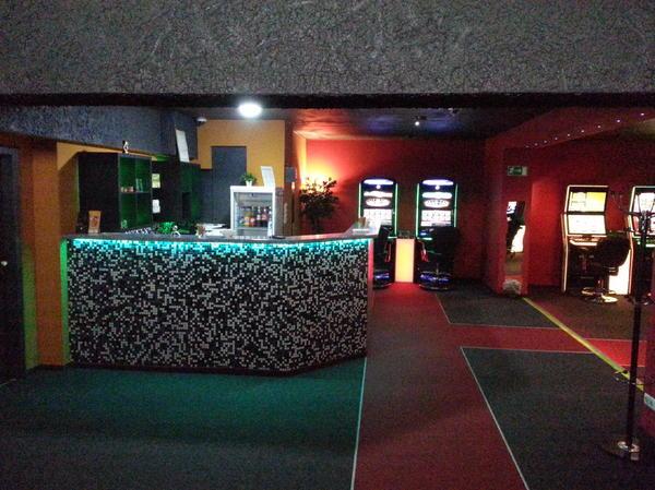 spielhalle bar shihsa lounge gastronomie in kassel vermietung gastronomie hotels. Black Bedroom Furniture Sets. Home Design Ideas