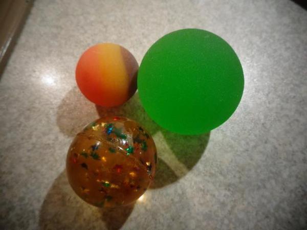 Spielzeug Kinderartikel Springbälle Ball klein