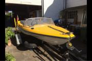 Sportboot mit 30