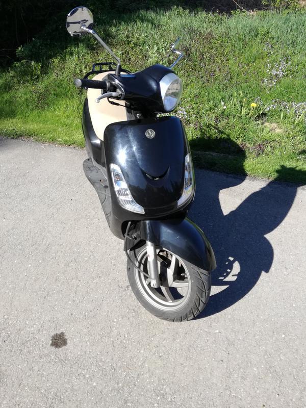 sym fiddle 2 moped roller in g fis mofas 50er. Black Bedroom Furniture Sets. Home Design Ideas