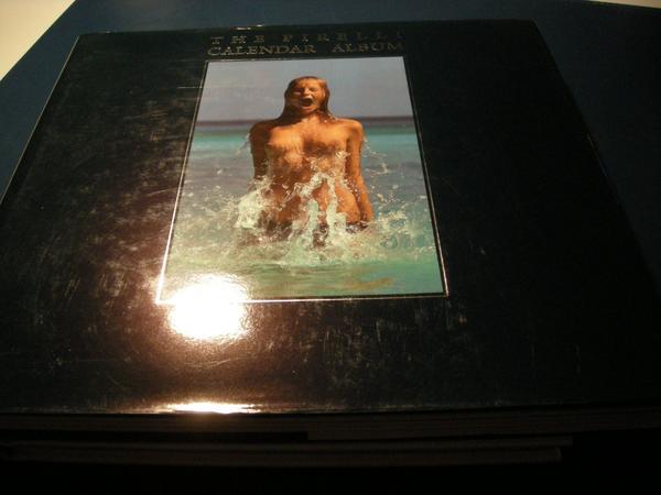 The Pirelli Calender Album - Höchst - The Pirelli Calendar Album !Die ersten 25 Jahre der Pirelli Kalender zusammengefasst in einem Buch.Von 1964-1988, 210 Seiten. Zustand wie neu. Größe 30 X 27,5 cm.Buch wird für 5,00 EUR verschickt.Tel. 06163-3584 Höchst Odenwald - Höchst