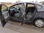 Toyota Prius (Hybrid)