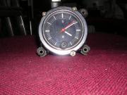 Uhr Oldtimer PKW