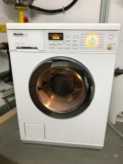 Waschtrockner Miele WT2670